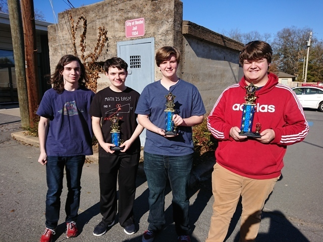 SHS Sweeps Chess Tournament