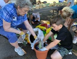 McRae Elementary Welcomes Community Partner White County Iris Society